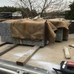大里郡寄居町の自社にて、外柵の積み込み作業を行い、明日の段取りをしました。