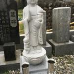 大里郡寄居町富田の共同墓地にお地蔵さまを建てに行きました。