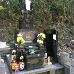 大里郡寄居町西の入の神道のお墓の追加彫刻にいきました。