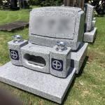 秩父聖地公園にて茨城県産真壁小目石の洋型の墓石が完成しました。