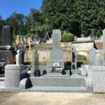 滑川町の成安寺様にて新たに墓石と外柵が完成しました。