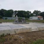 深谷市の個人墓地にて草対策の為のコンクリート工事が終了